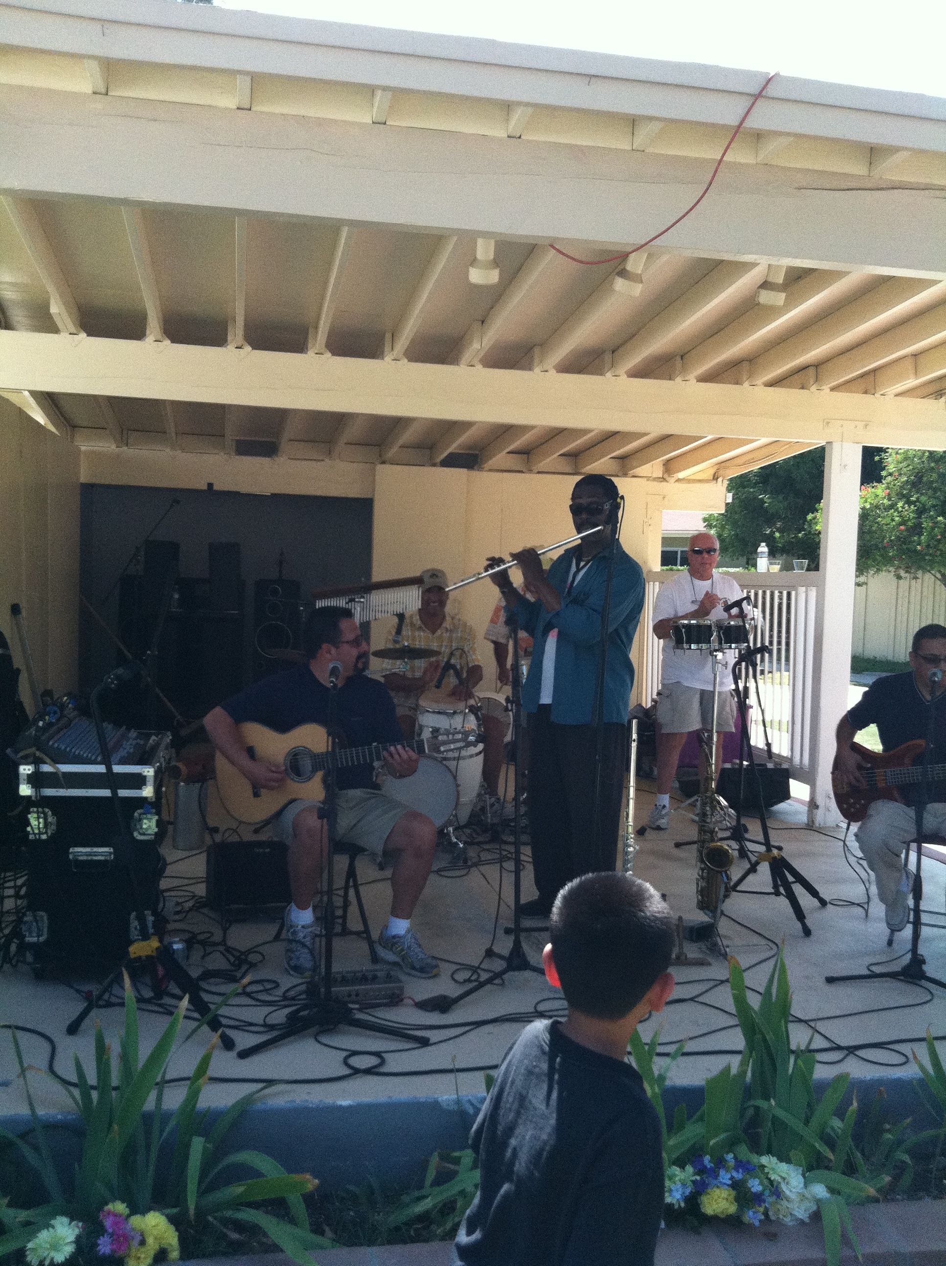 2012 NTMA Picnic - Live music is always great!